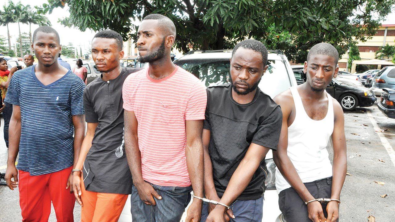 robbery-suspects