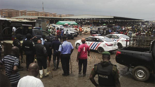 hausa-and-fulani-clash-at-agege-abattoir-market-in-lagos-photos-1